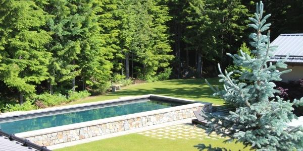 Belmont Estate Whistler Swimming pool