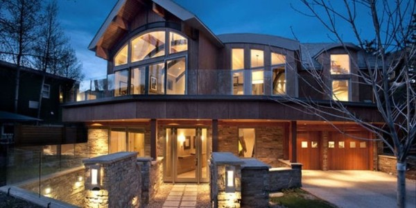 Modern Upscale Home in Aspen Colorado, Last minute luxury properties in Whistler, Canada