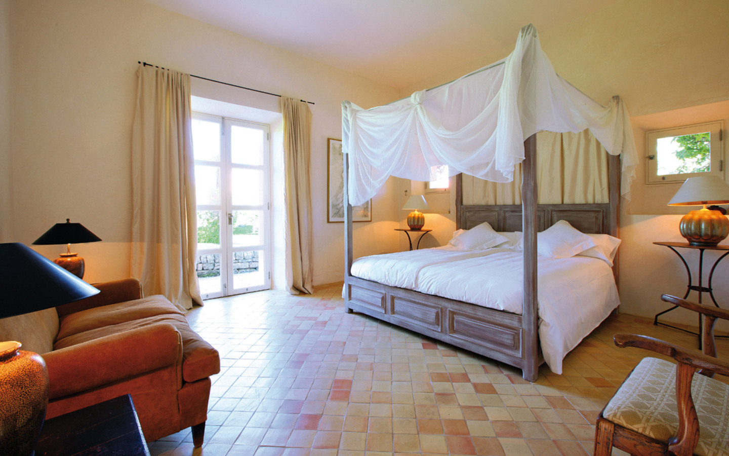 Castell De Manresa Estate bedrooms, spacious and modern