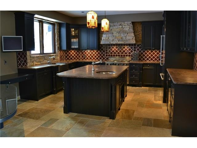 Chefs kitchen - Luxury 6 bedroom chalet in Whistler