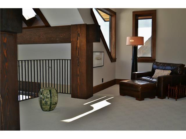 Open layout - Luxury 6 bedroom chalet in Whistler