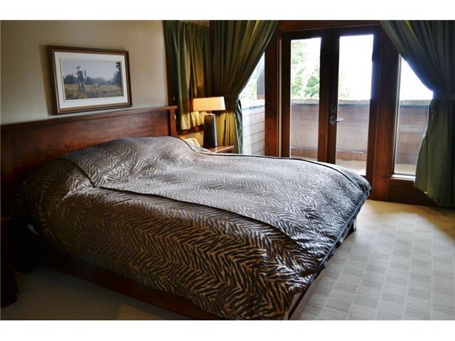 Bedroom - Luxury 6 bedroom chalet in Whistler
