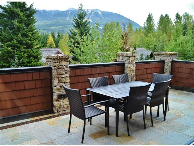 Outdoor entertainment space- Luxury 6 bedroom chalet in Whistler