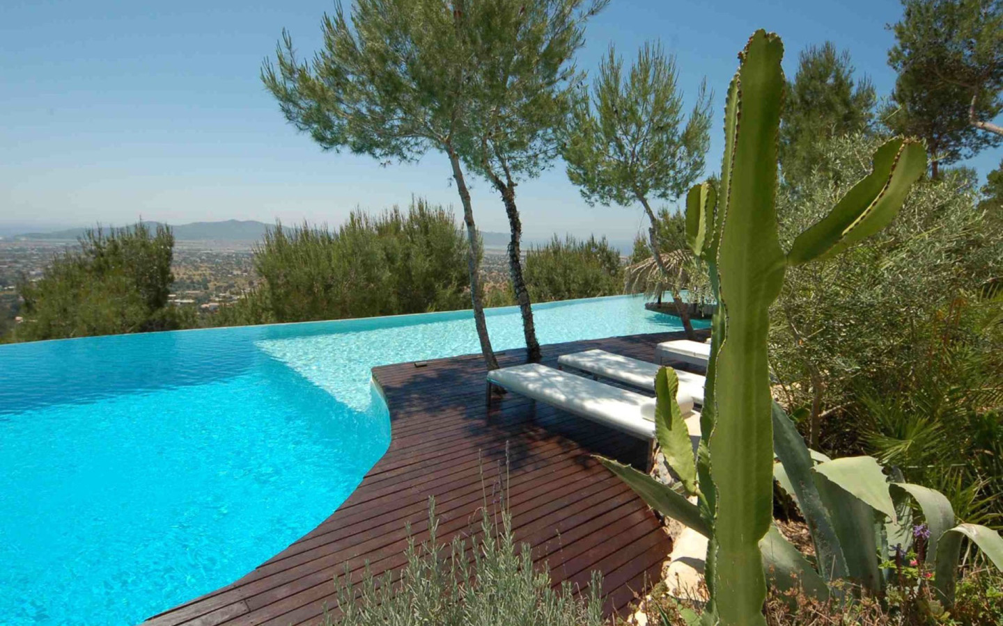 Le Rocher Exceptional 8 Bedroom Property in Ibiza
