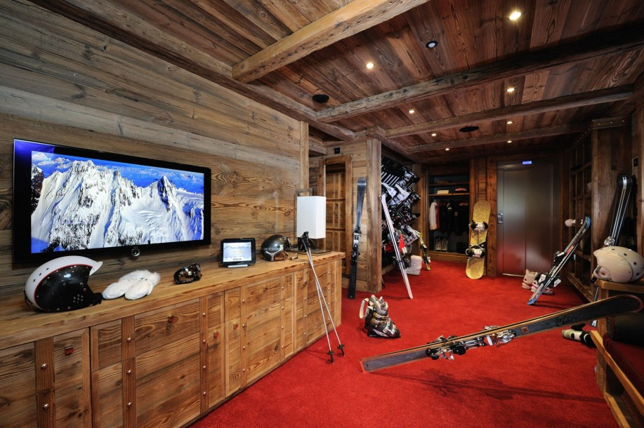8 bedroom Signature Chalet in Courchevel 1850