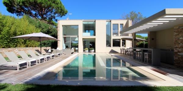 4 bedroom Luxury Villa in St Tropez 1